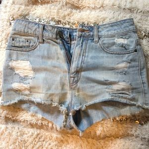 🦋Urban Outfitters BDG High-Waisted Denim Shorts🦋